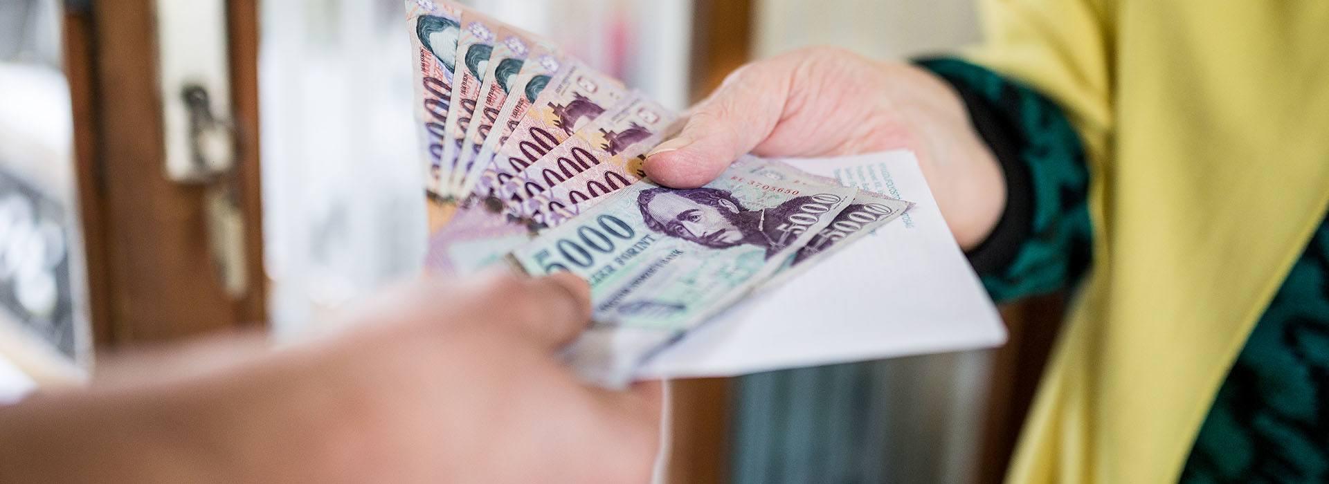 nyugdíjas pénzt)
